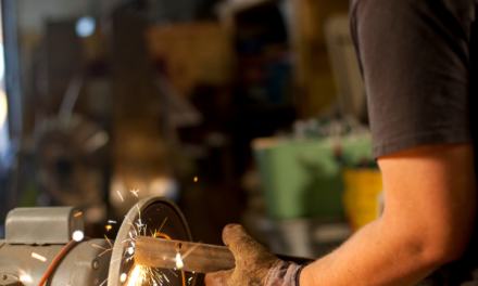Bench Grinder vs Angle Grinder – What´s the Difference?